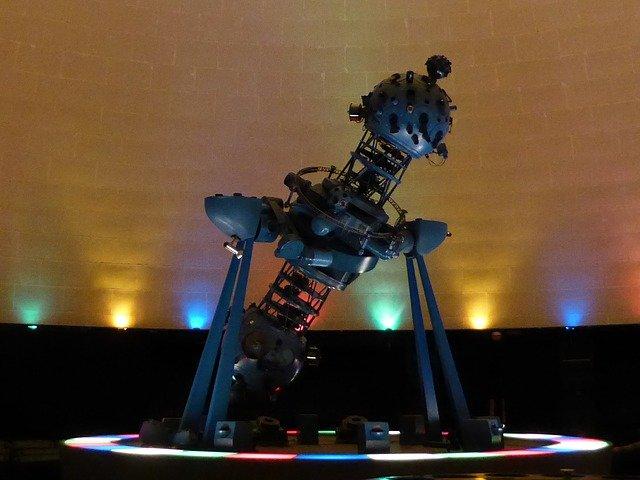 planetárium a projektor