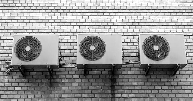 ventilátory na zdi