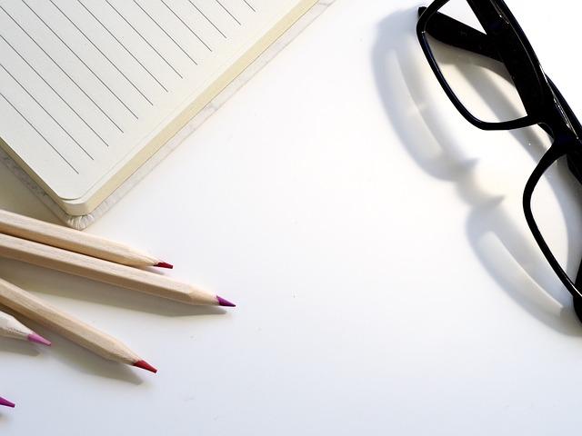 tužky a brýle